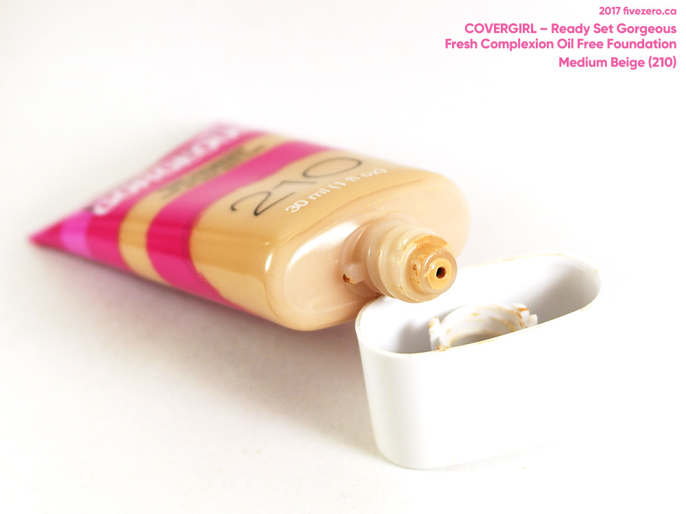 CoverGirl Ready Set Gorgeous Oil Free Foundation in Medium Beige (210)
